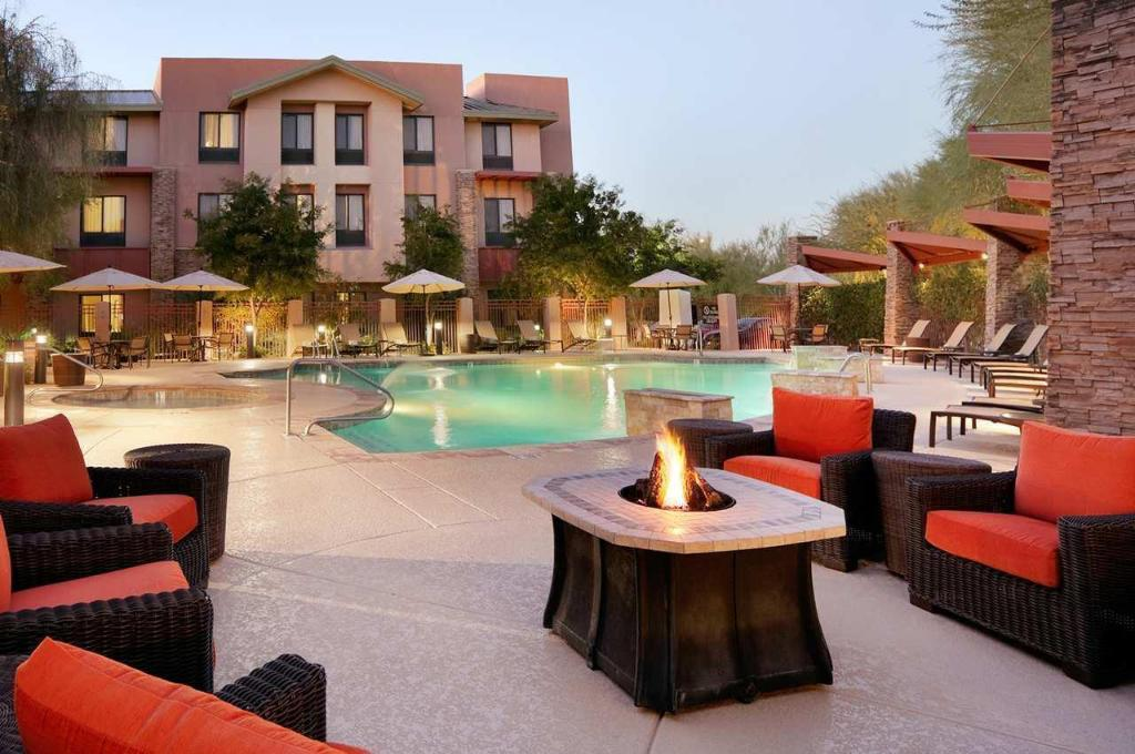 Swimming pool [outdoor] Hilton Garden Inn Scottsdale North Perimeter Center