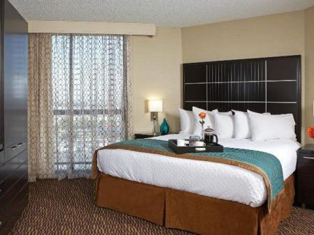 2 Bedroom Suite King Bed Embassy Suites Hotel Los Angeles International Airport North