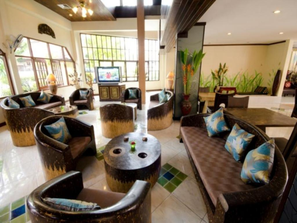 Lobi Sabai Lodge Hotel