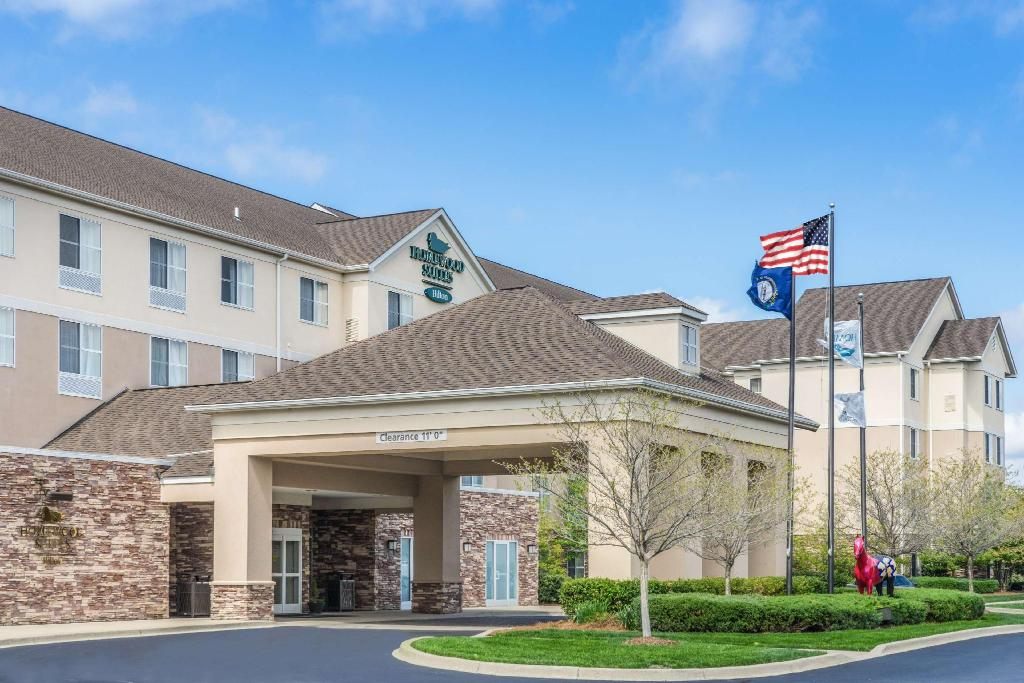 Homewood Suites By Hilton Louisville East Hotel