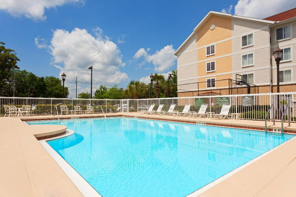 Homewood Suites by Hilton Gainesville Hotel