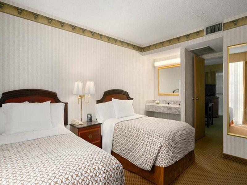 2 Room Premium Suite - 2 Queen Beds