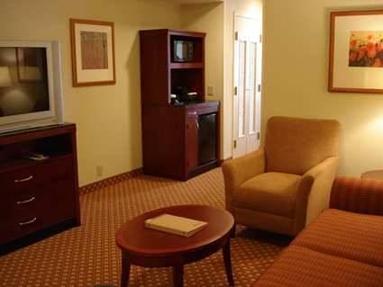 Deluxe King Bed   Guestroom Hilton Garden Inn Joplin Awesome Ideas
