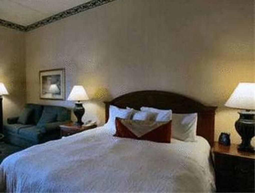 king room bed hilton garden inn state college - Hilton Garden Inn State College
