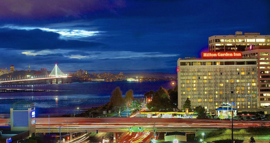 Hilton Garden Inn San Francisco - Oakland Bay Bridge Hotel