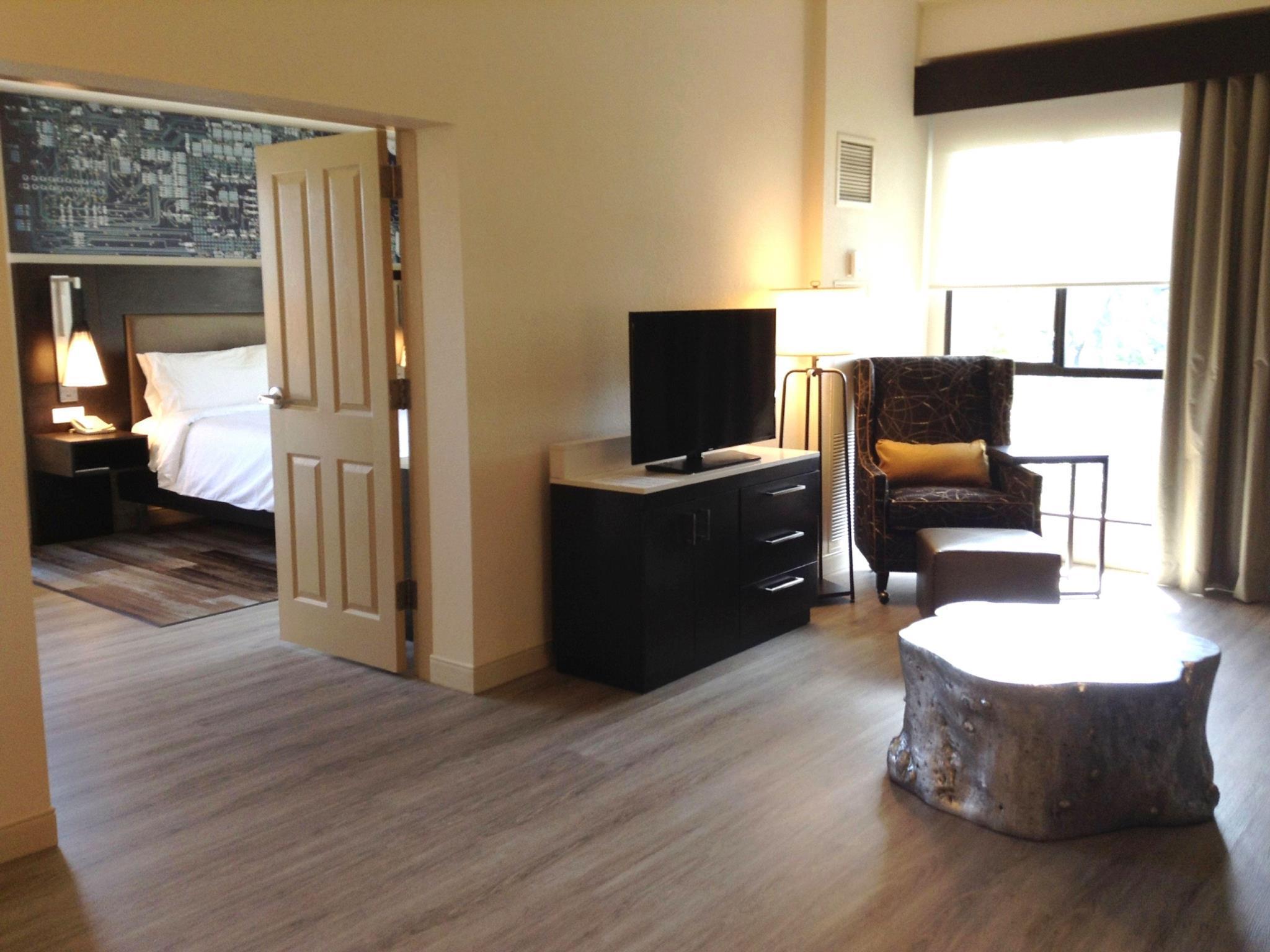 Interior View Hilton Garden Inn Cupertino Hotel