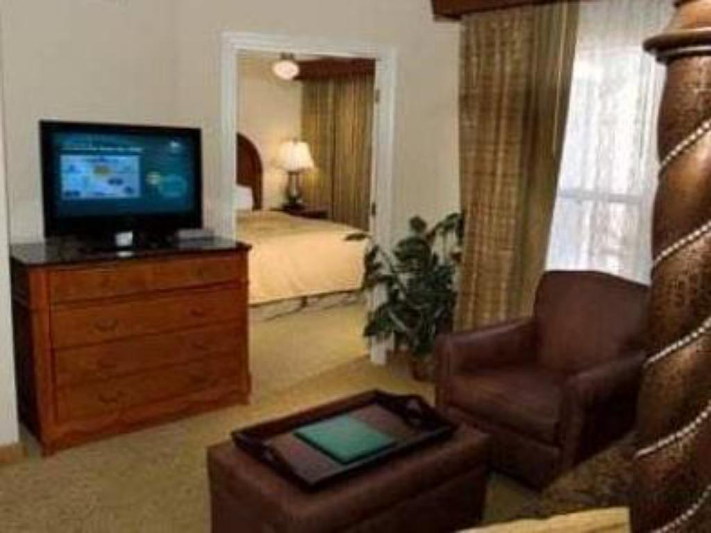 1-Bedroom Suite with King Bed Homewood Suites by Hilton Jackson Ridgeland