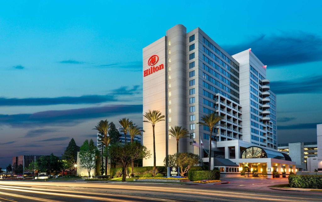 More about Hilton Woodland Hills Hotel