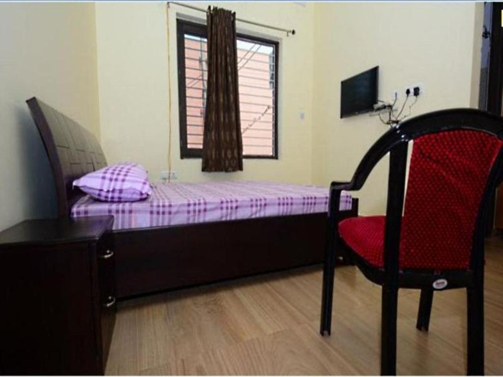 Deluxe Double Room - Bed Comfort Stay Hotel