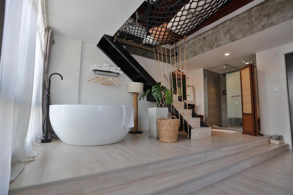 Yolo Bangkok Hostel Hotel Deals