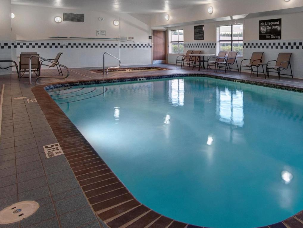 Piscina Hampton Inn Provo