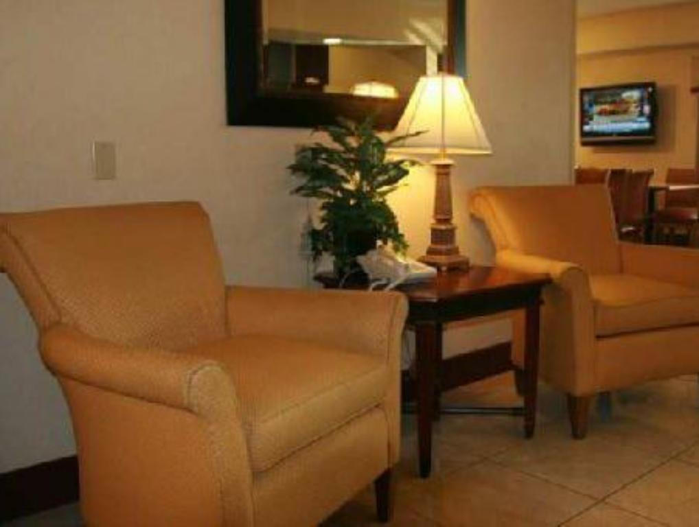 Lobby Country Inn & Suites by Radisson, Temple, TX