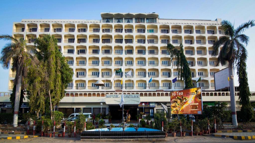 Karachi Hotellit dating puhelimitse dating palvelut