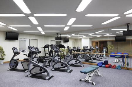 Fitness center Yokohama Bay Sheraton Hotel And Towers