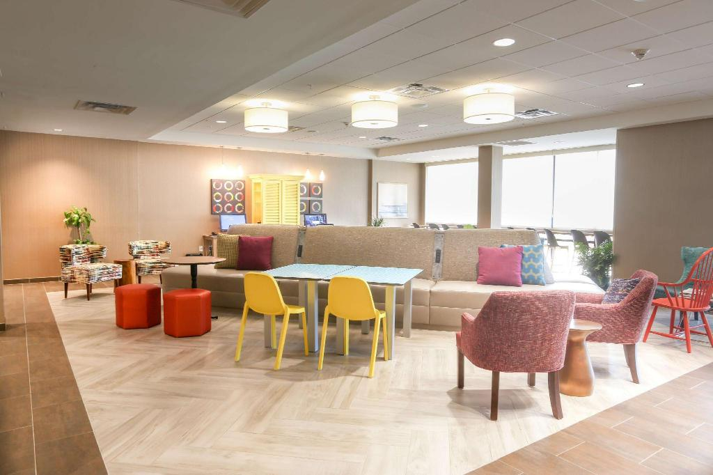 Лобби Home2 Suites by Hilton Bordentown