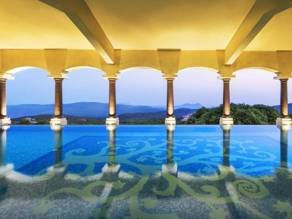 Le Meridien Mahabaleshwar Resort Spa India Photos Room Rates Promotions