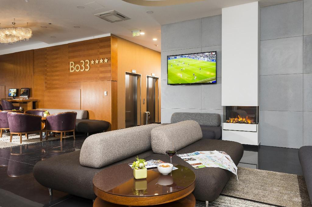 Lobby Bo33 Hotel Family and Suites