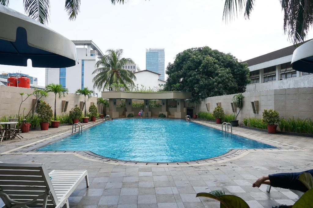 2BR with Pool View @ Beverly Tower Apt By Travelio