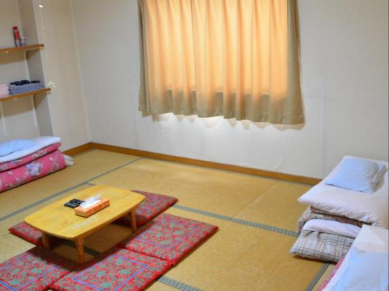 Japanese Style Family Room with Shared Bathroom - Non-Smoking
