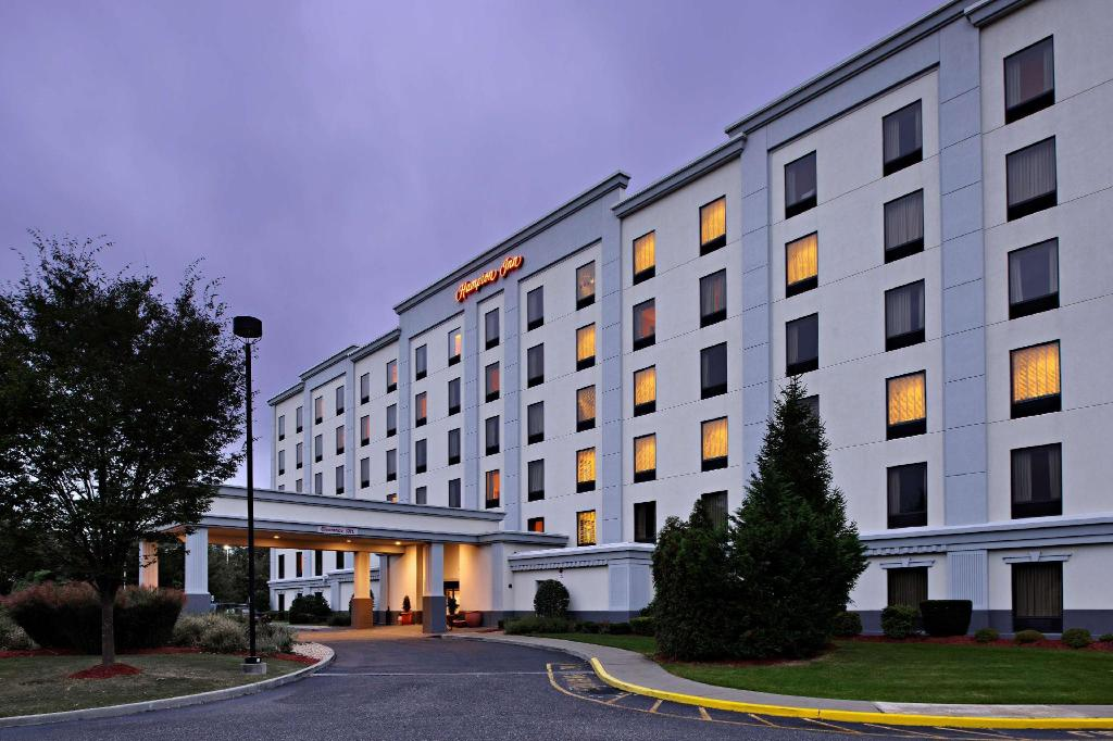 More about Hampton Inn Long Island-Brookhaven Hotel
