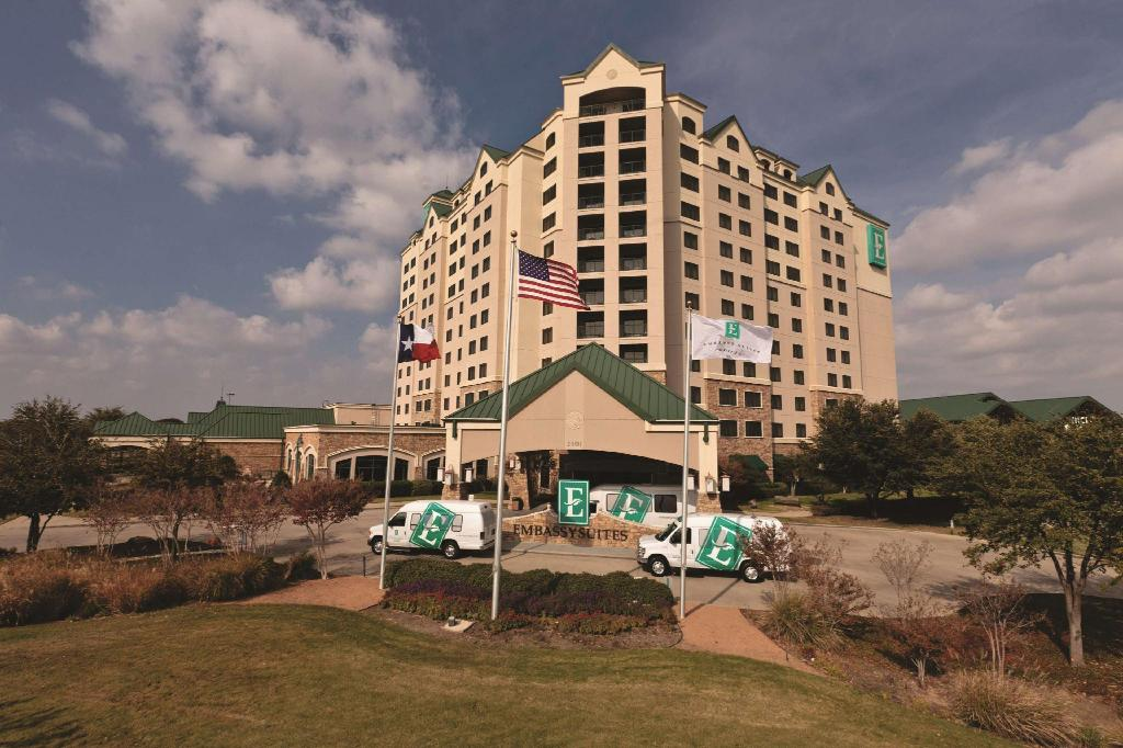 Embassy Suites Dallas Dfw Airport North Outdoor World Hotel