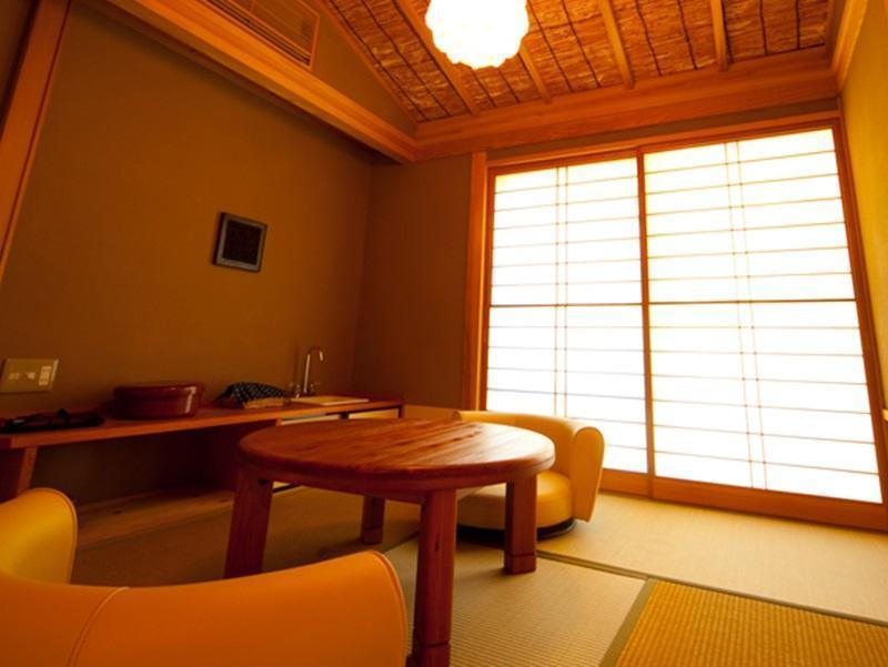 Naokawa Japanese Western Style Room with Open-Air Bath