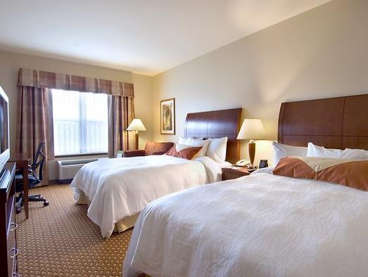 2 Queen Beds   Guestroom Hilton Garden Inn Seattle North Everett