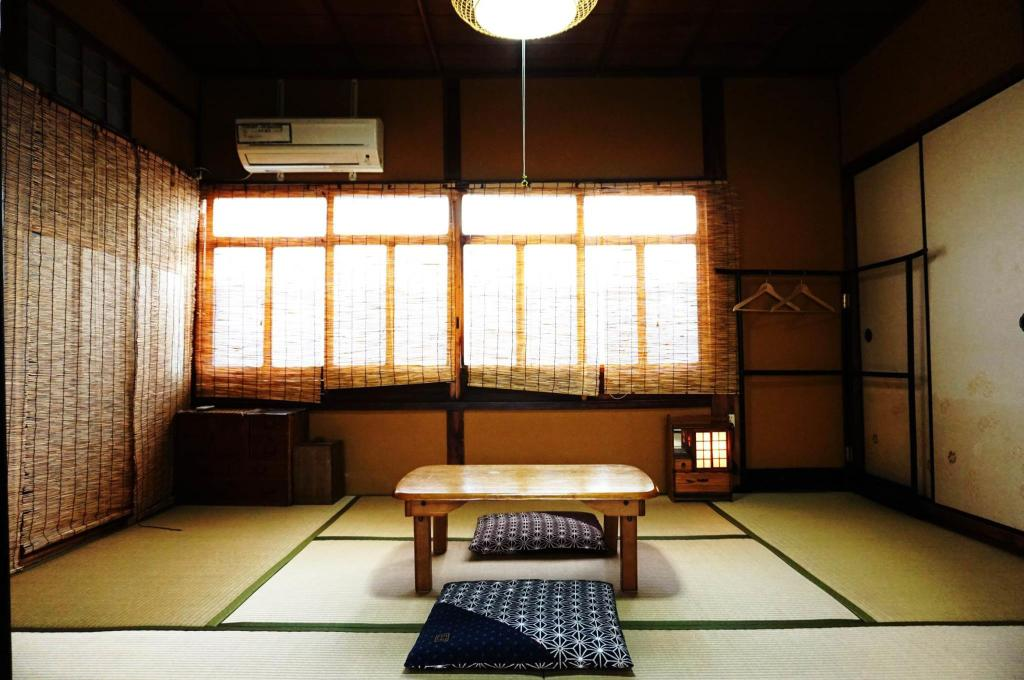 Japanese Style Twin with Shared Bathroom - Guestroom Guesthouse Odori