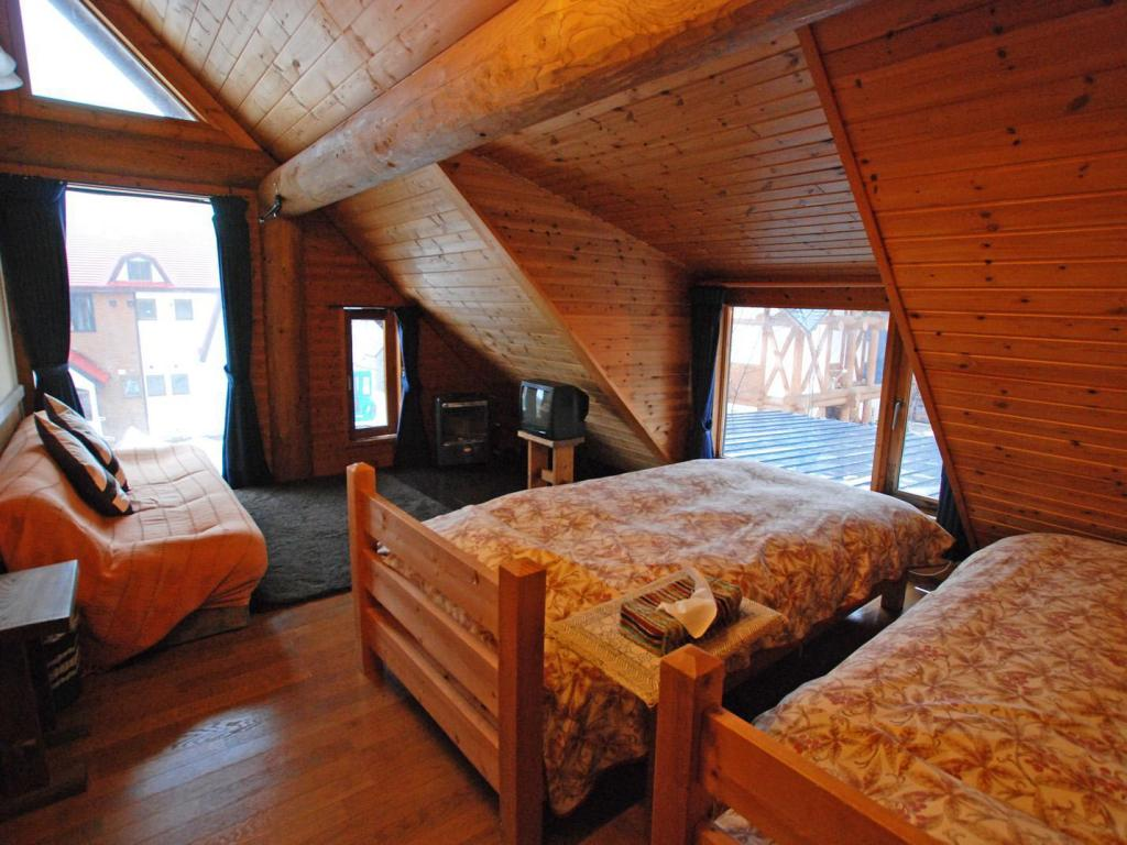 Quarto Twin Pension Woody Note