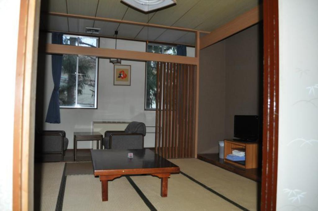 Japanese-Style Room with Shared Bathroom - Guestroom Petit Hotel Yukikkoso