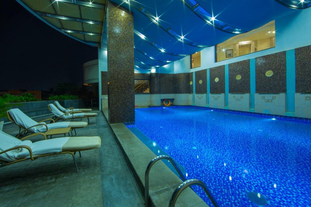 The accord metropolitan hotel chennai india photos - Metropolitan swimming pool karachi ...