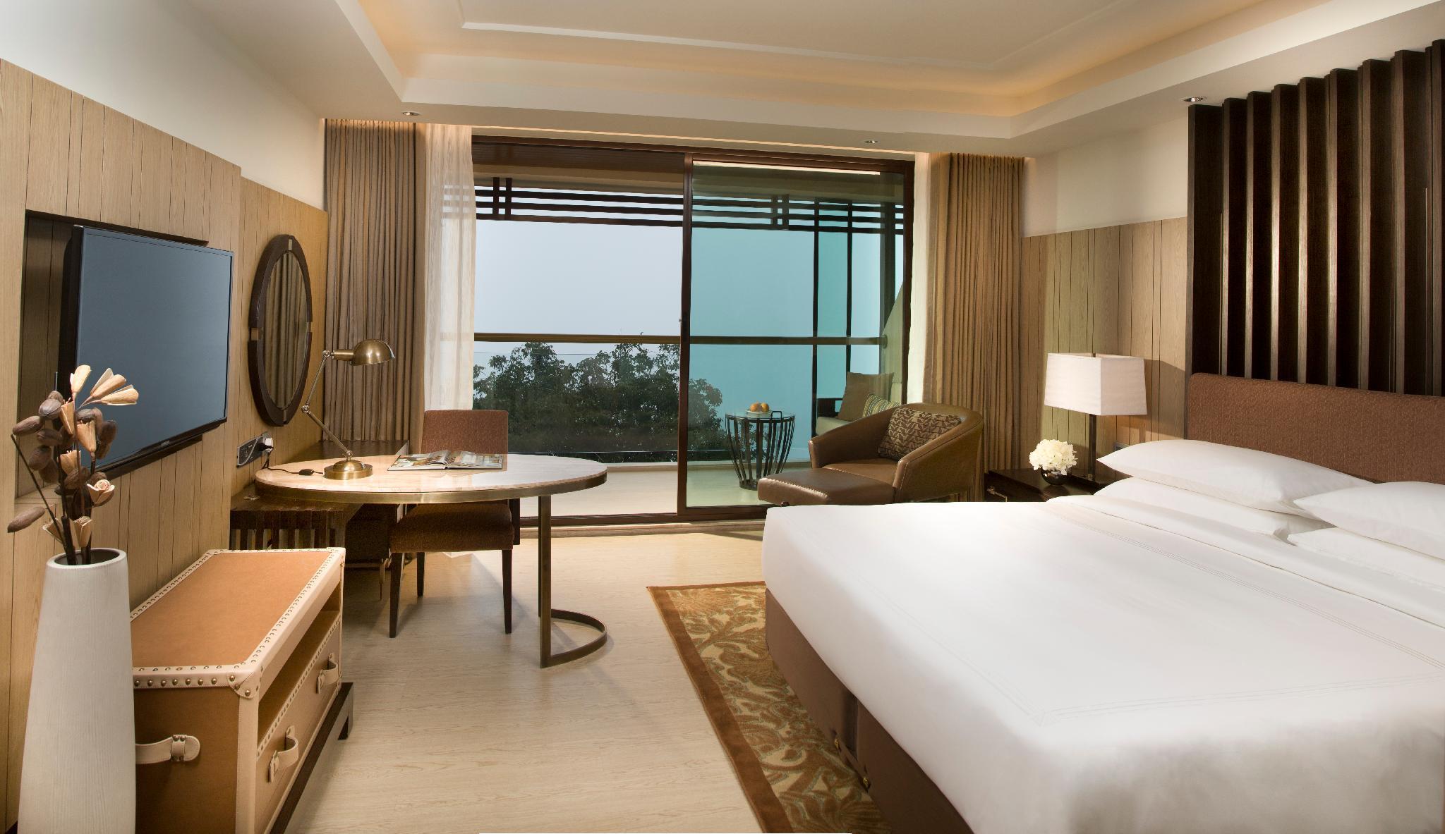 JW Marriott Mussoorie Walnut Grove Resort & Spa in India - Room ...