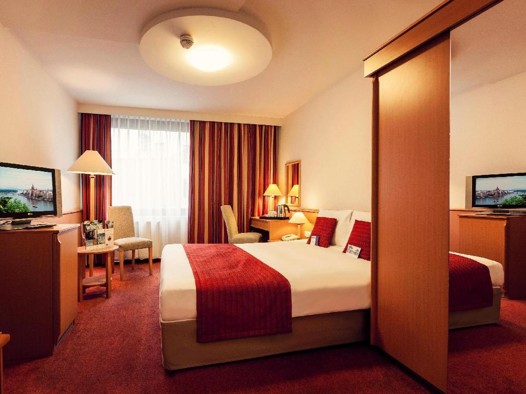 Standard Double Room - Guestroom Mercure Budapest City Center Hotel