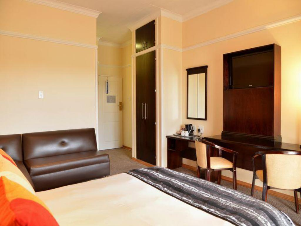 Standard Guest Room, Guest room, 2 Double - 客室 プロテア ホテル クラークスドープ (Protea Hotel Klerksdorp)