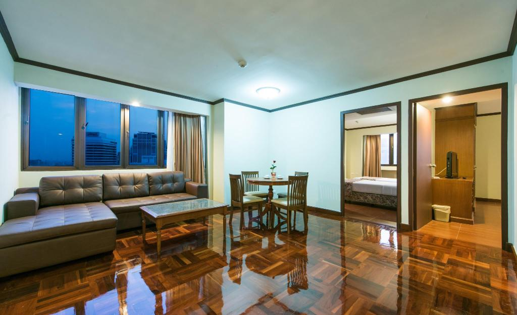 Interior view Omni Tower Sukhumvit Nana by Compass Hospitality