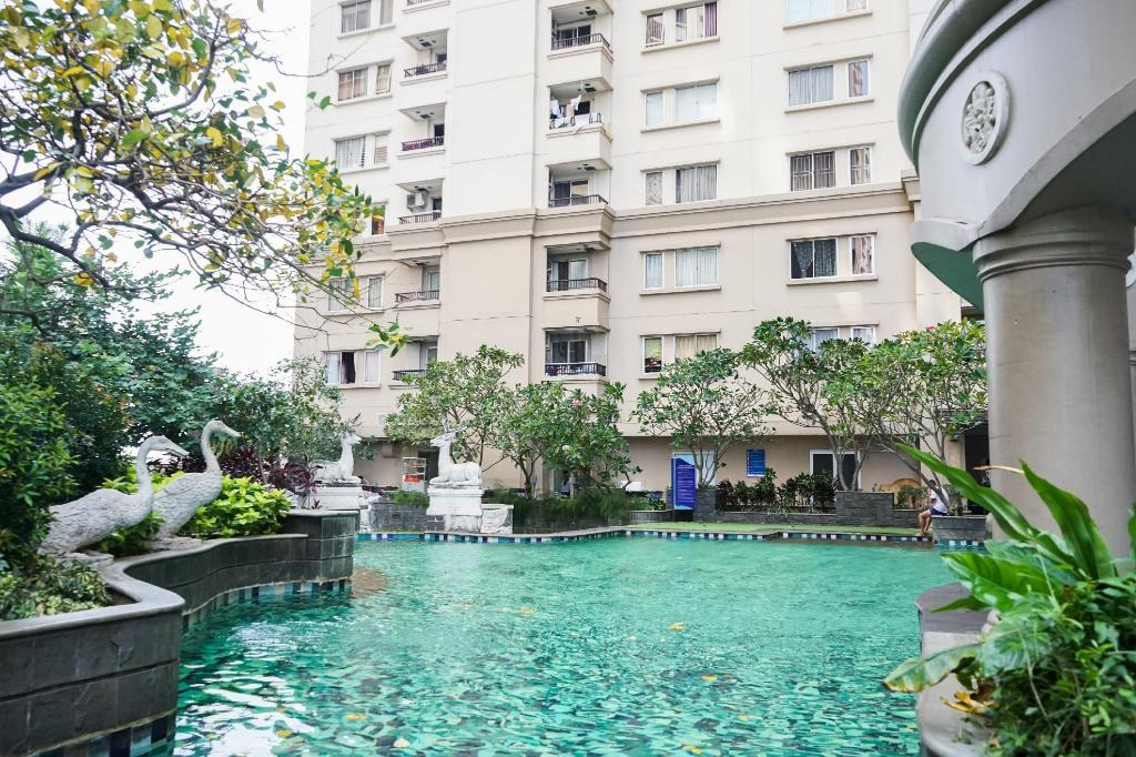 Classic 2BR @ Ancol Marina Apartment By Travelio