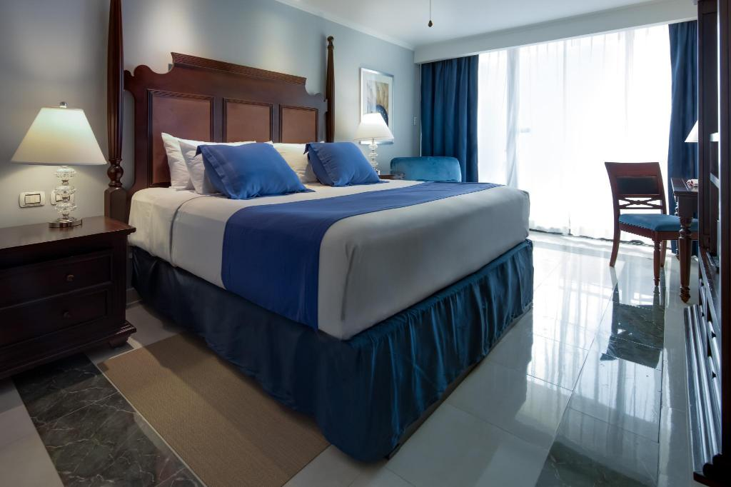 Royal Level Luxury Ocean View - Bed