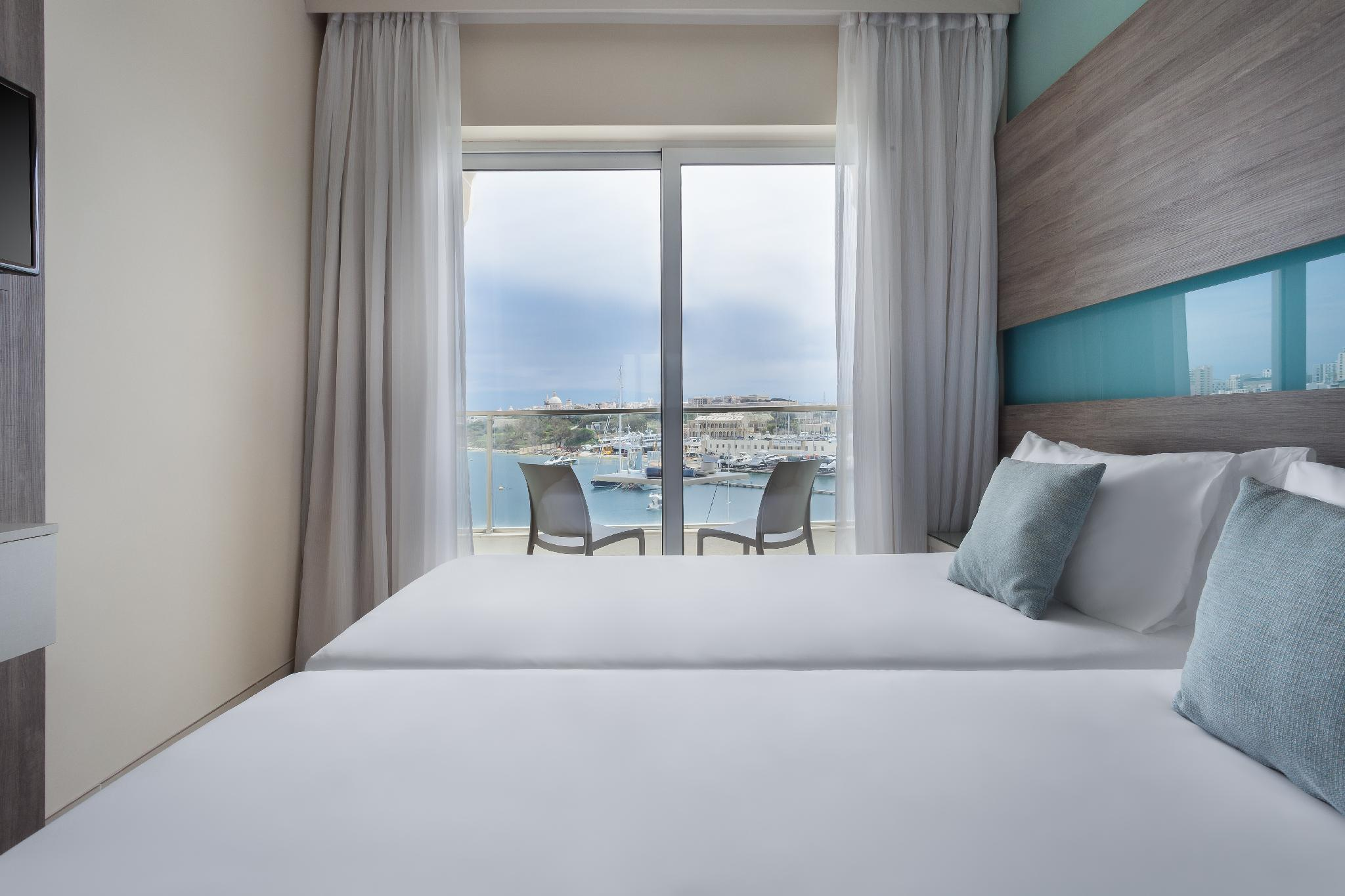 Standard Double or Twin Room Ocean View