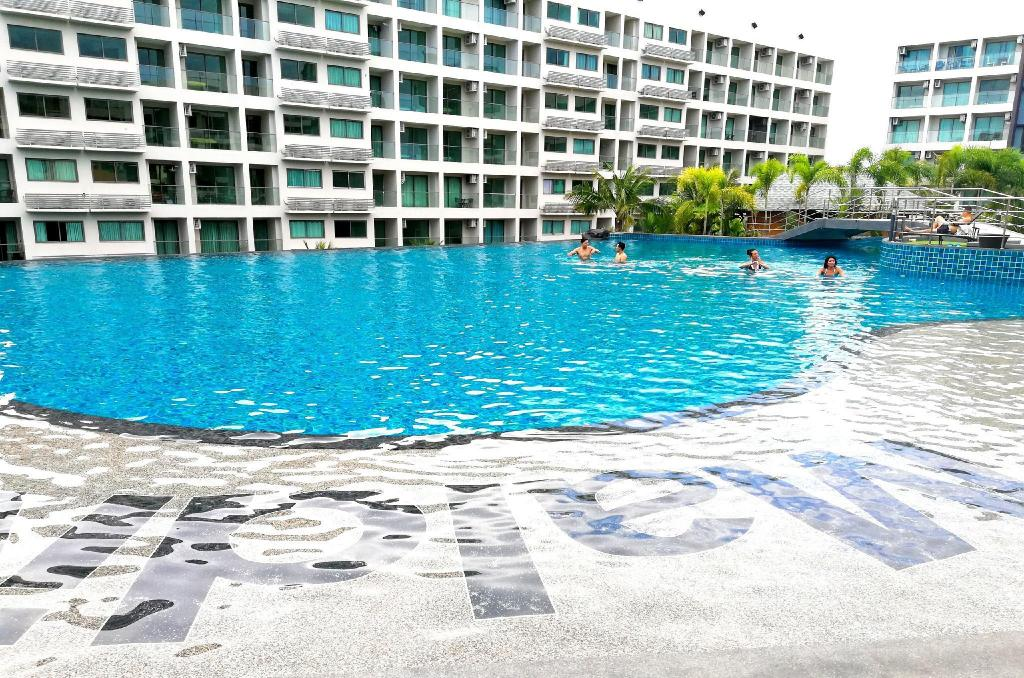 Maldives Pattaya Largest Pool Pool View Apartment Deals