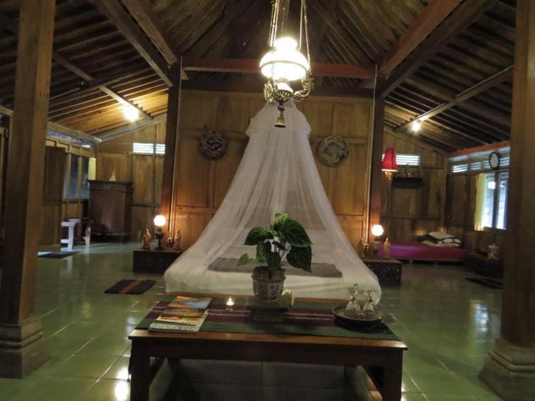 Rumah Limasan Jawa Homestay Guesthouse Bed And Breakfast