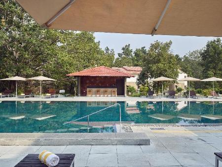 Club mahindra kanha india photos room rates promotions - Club mahindra kandaghat swimming pool ...