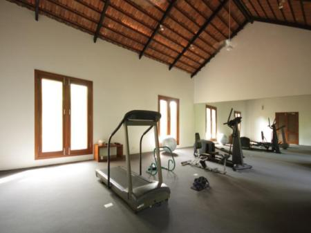 Pusat kebugaran Shreyas Yoga Retreat