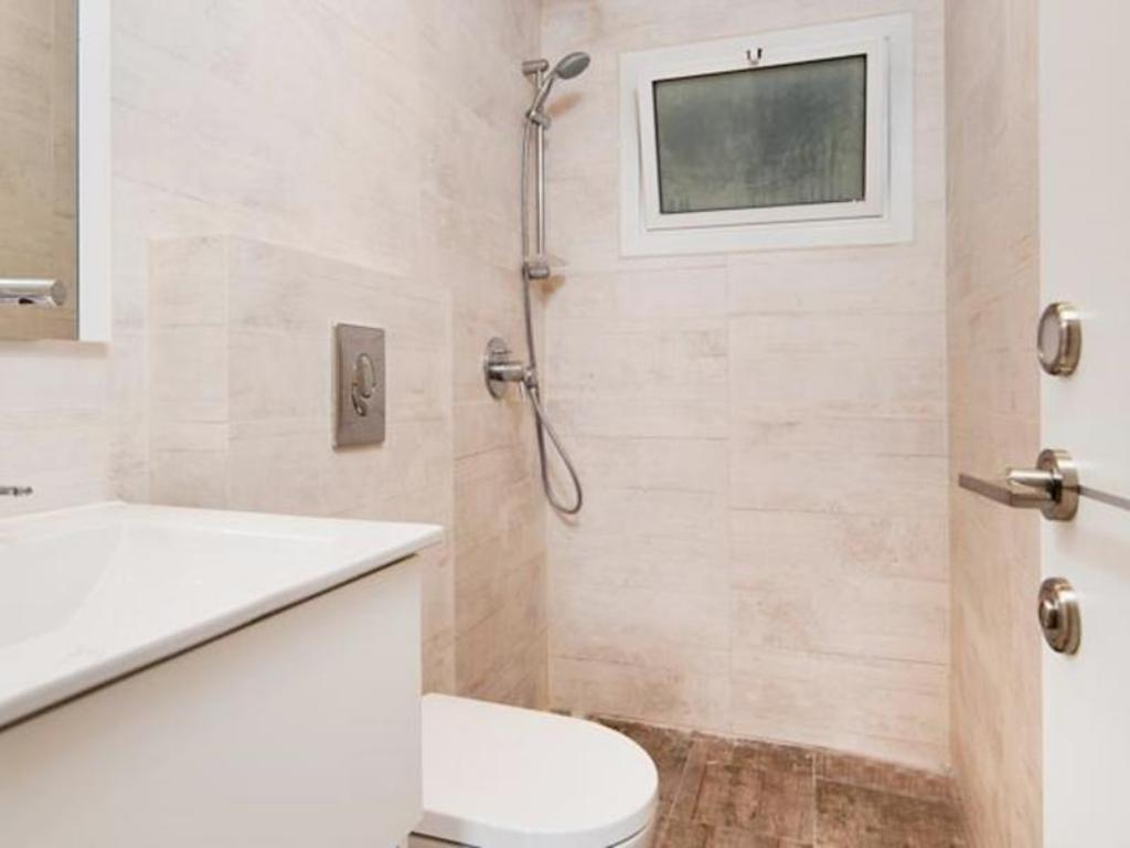 Bathroom SeaNRent Apartments - Vilna Street