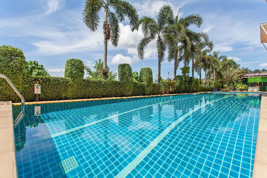 Pool Villa på 1600 m² i Phuket flygplats, med 20 sovrum och 20 badrum (privat) (⭐The Yellow Moon Resort  20BR Sleeps 40 near Beach)