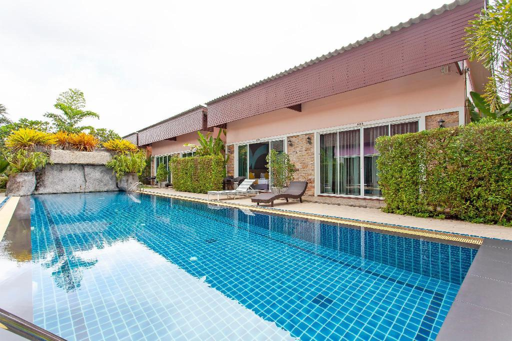 Villa på 1600 m² i Phuket flygplats, med 20 sovrum och 20 badrum (privat) (⭐The Yellow Moon Resort  20BR Sleeps 40 near Beach)