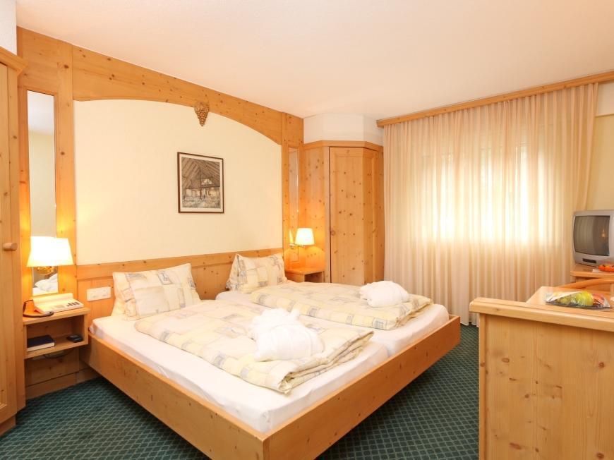 Grichting badnerhof swiss quality hotel in leukerbad webcam
