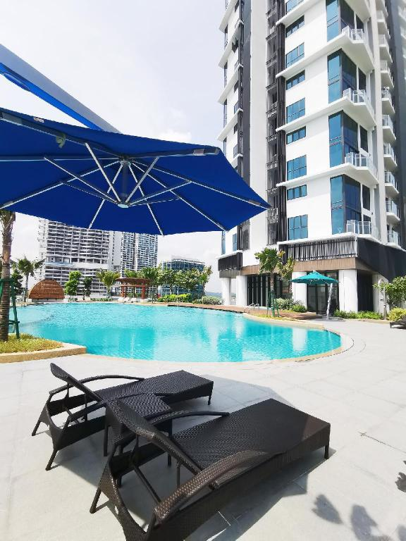 Swimming pool [outdoor] Almas suites balcony #1 @ JB City Home
