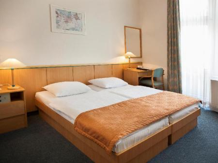 Single Room - Non-Smoking City Hotel Matyas