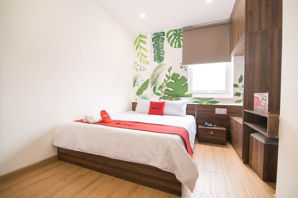 More about RedDoorz Plus @ Tran Quang Khai Street