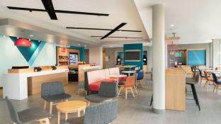 Avid Hotels Orlando International Airport